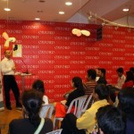 Mumbai (India). N.A. celebrated the World Philosophy Day at Oxford Bookstore (Mumbai). This first collaboration resulted in an eclectic audience, all driven by a common search for Wisdom.